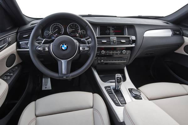 BMW「X4 M40i」のインパネ画像