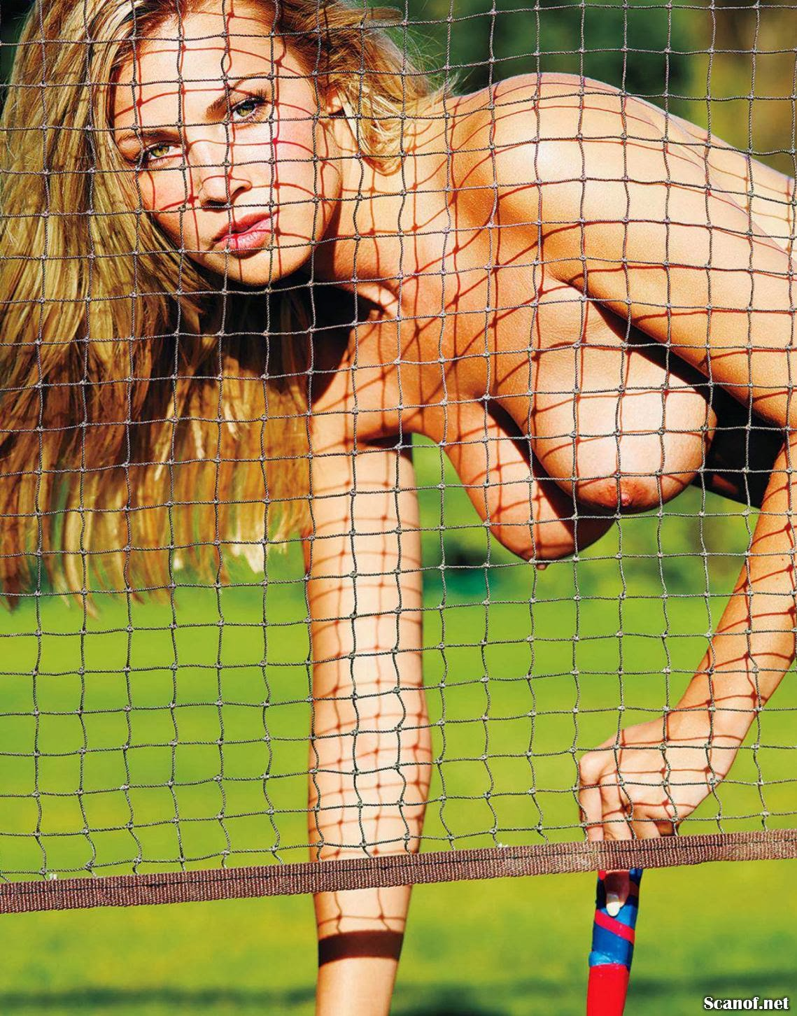 Splendor in the Grass | Playboy Argentina [September 2013]