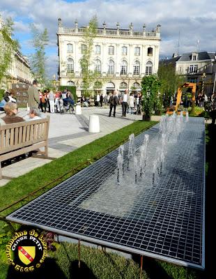 """NANCY (54) - Place Stanislas : Le jardin éphémère 2012 """"Jean Prouvé"""""""