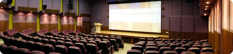 Empty-Seminar-Hall-Image