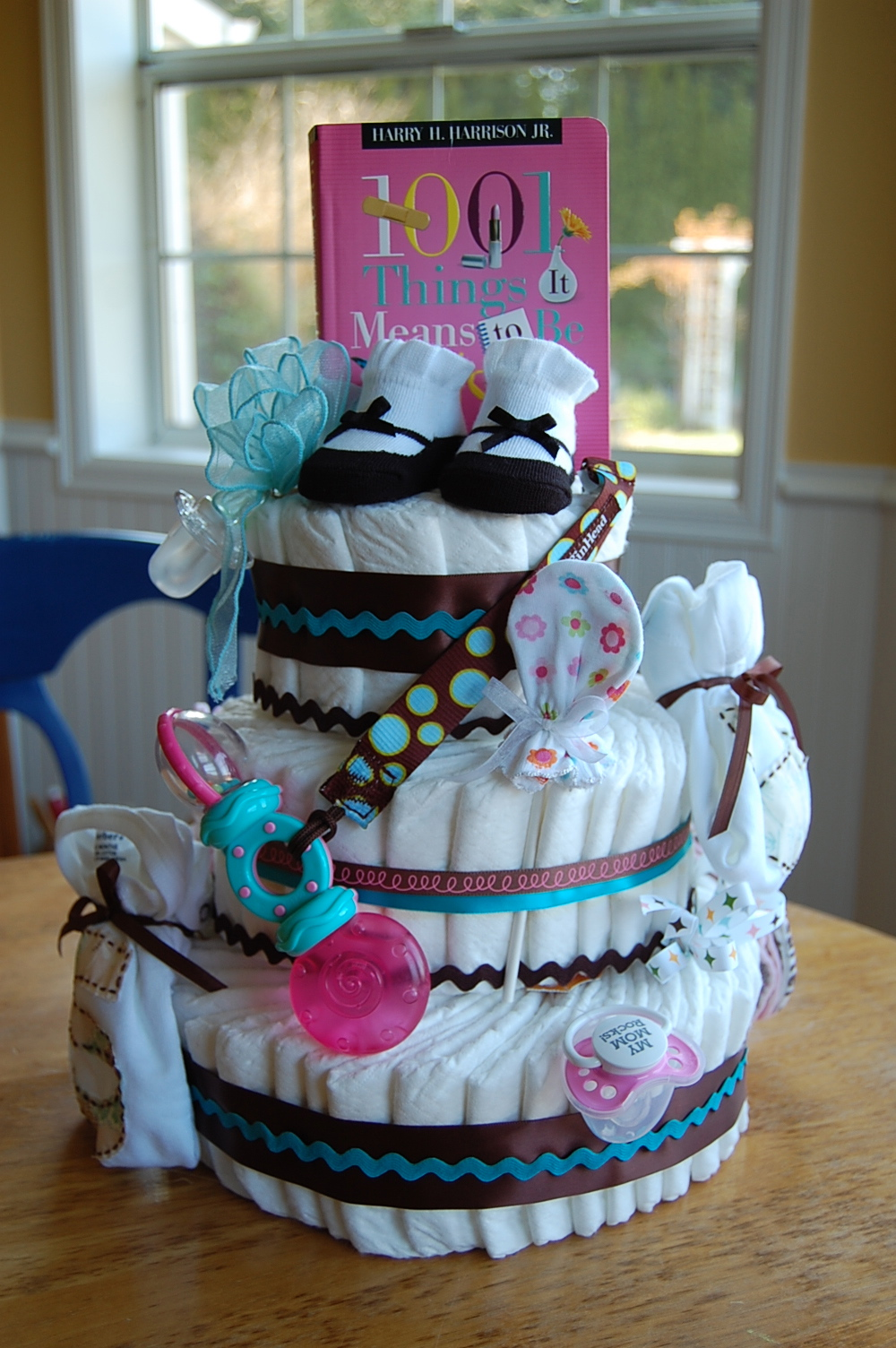 Saltbox treasures how to make a baby diaper cake - Gateau de couche baby shower ...