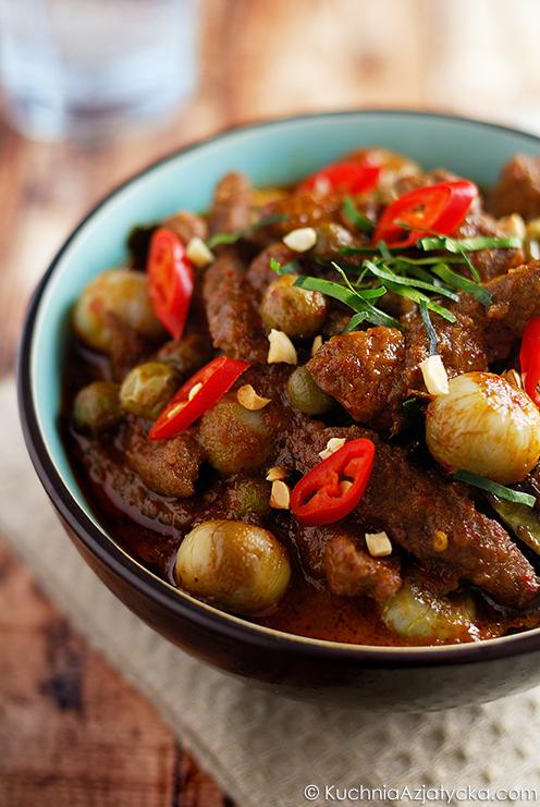 Panang curry z wołowiną i oberżynami © KuchniaAzjatycka.com