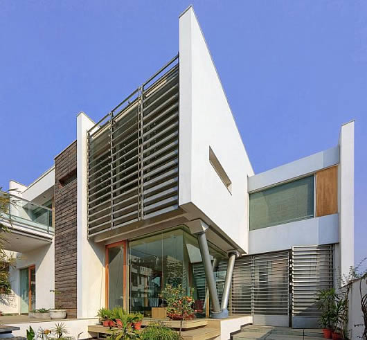 The design of the modern house of indian architecture for Contemporary home designs india