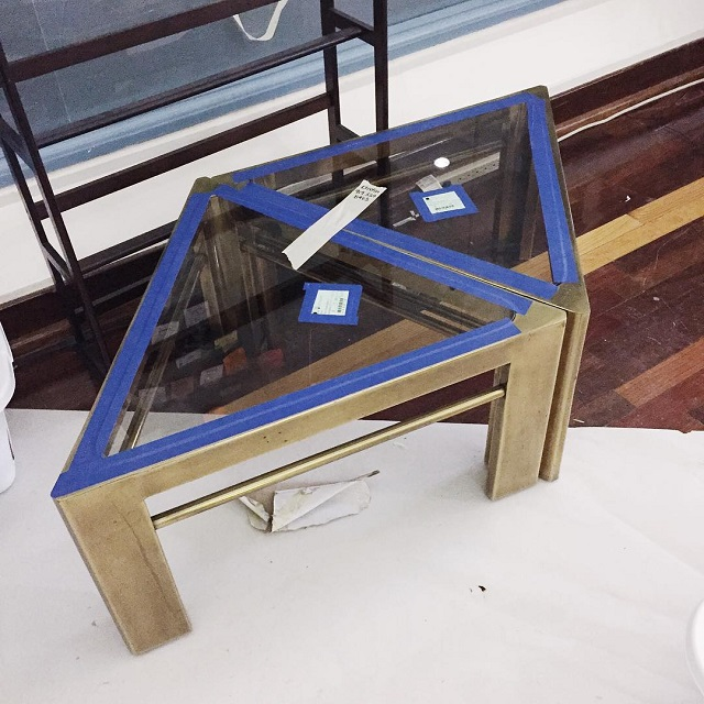 #thriftscorethursday Week 82 | Instagram user: domicile37 shows off this Brass Triangle Side Tables