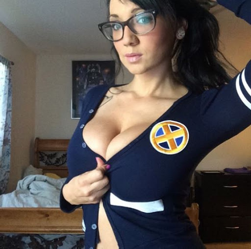 Naked jewish girls with glasses