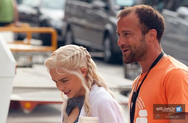 Emilia Clarke Daenerys 2 - Juego de Tronos en los siete reinos