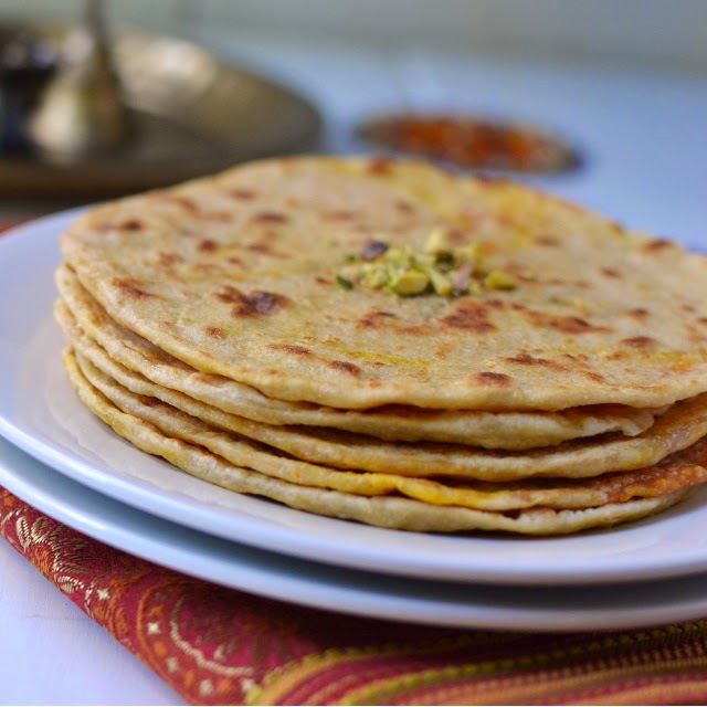 Carrot Poli (Bobbatlu/ Puran Poli with Carrot Halwa Filling)