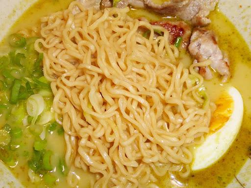 【業務スーパー(神戸物産)】iMeeグリーンカレーヌードル チキン風味