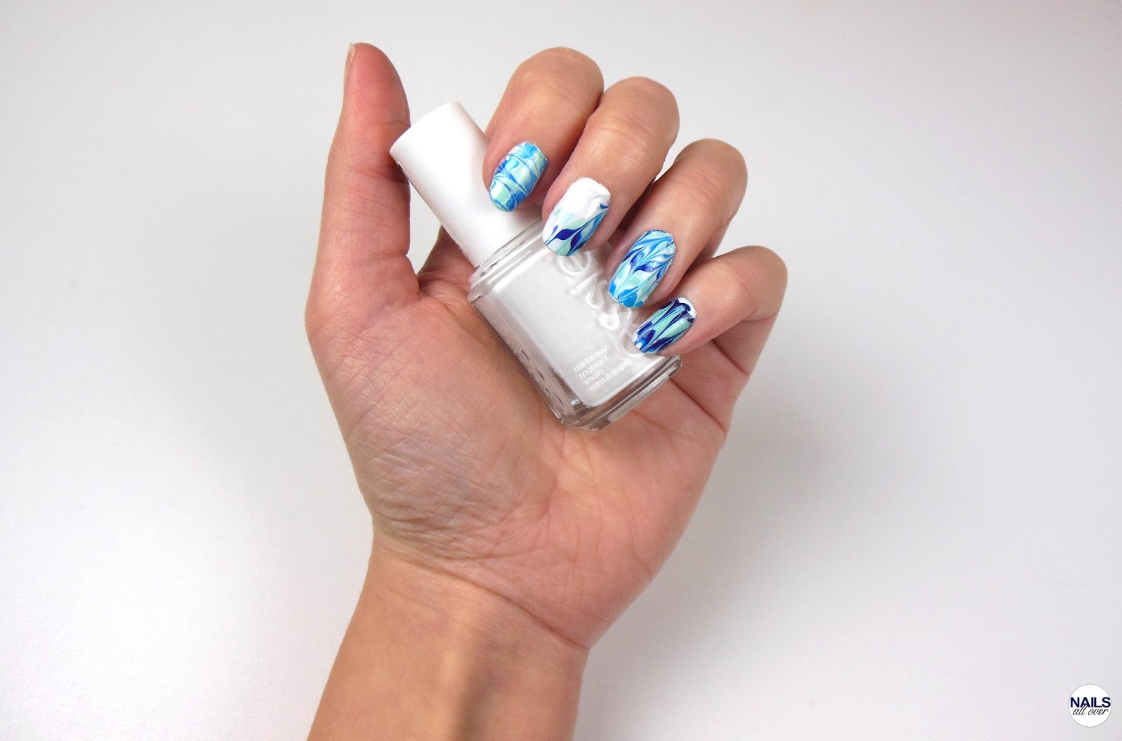 Blue Abstract Lines - Easy DIY Nailart Sticker - Nails All Over
