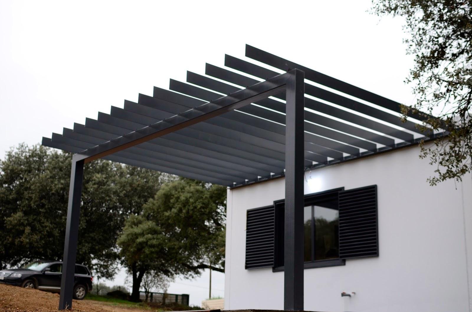 Fotos de la entrada de la cochera y entrada peatonal for Casetas prefabricadas pequenas