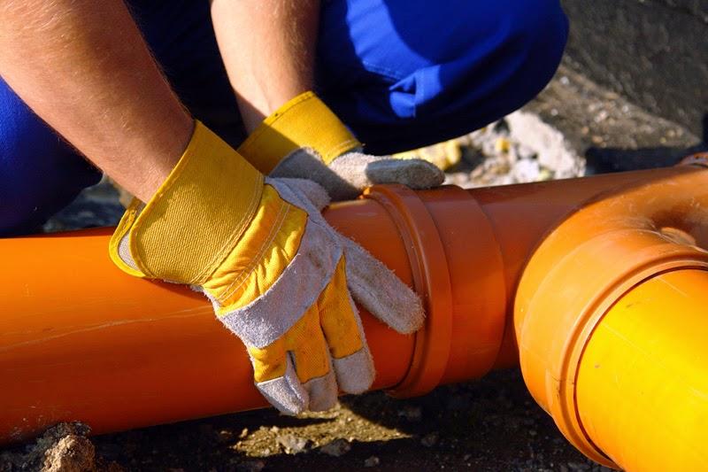 Arquetas ocultas y colocación de tuberías de PVC
