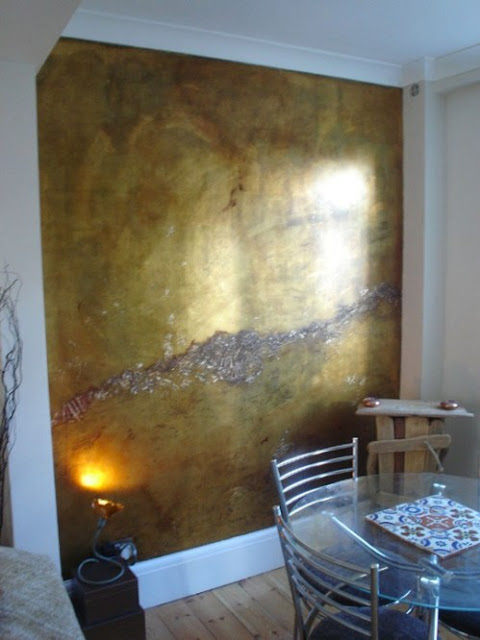 Metallic Wall Paint Design : Eye for design decorating with metallic gold