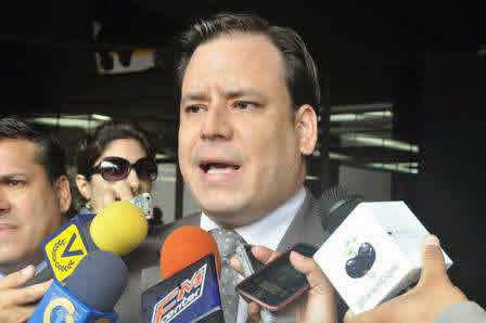 Diputado Homero Ruiz: PARA COMPRAR EN LA BODEGA HAY QUE PEDIRLE PERMISO A VIELMA MORA