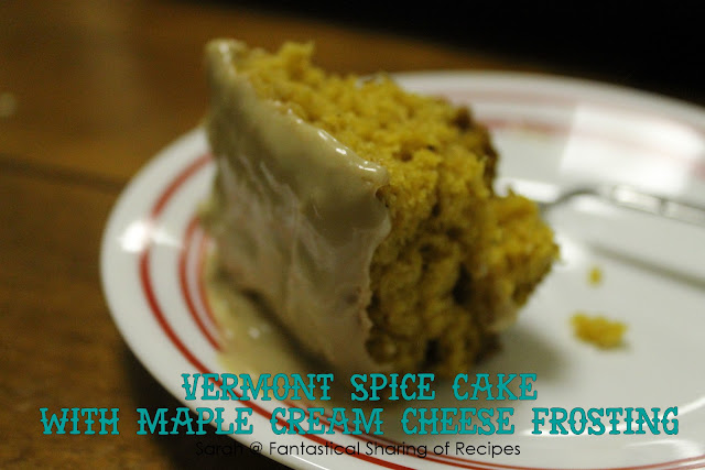 Vermont Spice Cake with Maple Cream Cheese Frosting - the perfect cake for autumn #cake #pumpkin