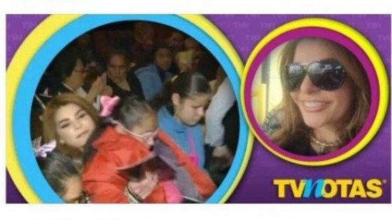 Se burlan de Itatí Cantoral por llevar a niños ciegos a 'ver' obra teatral