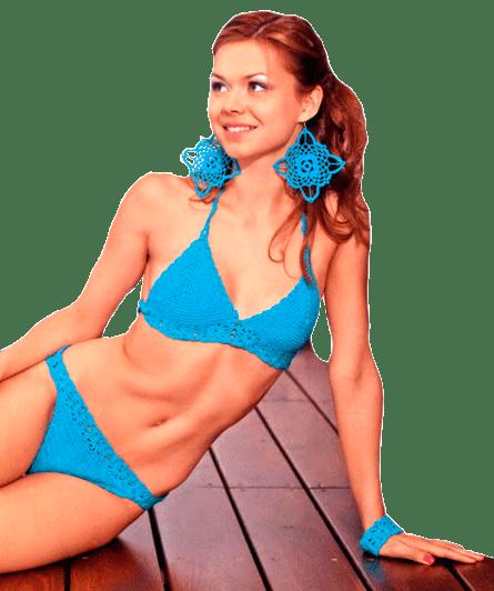 Голубой купальник и сережки