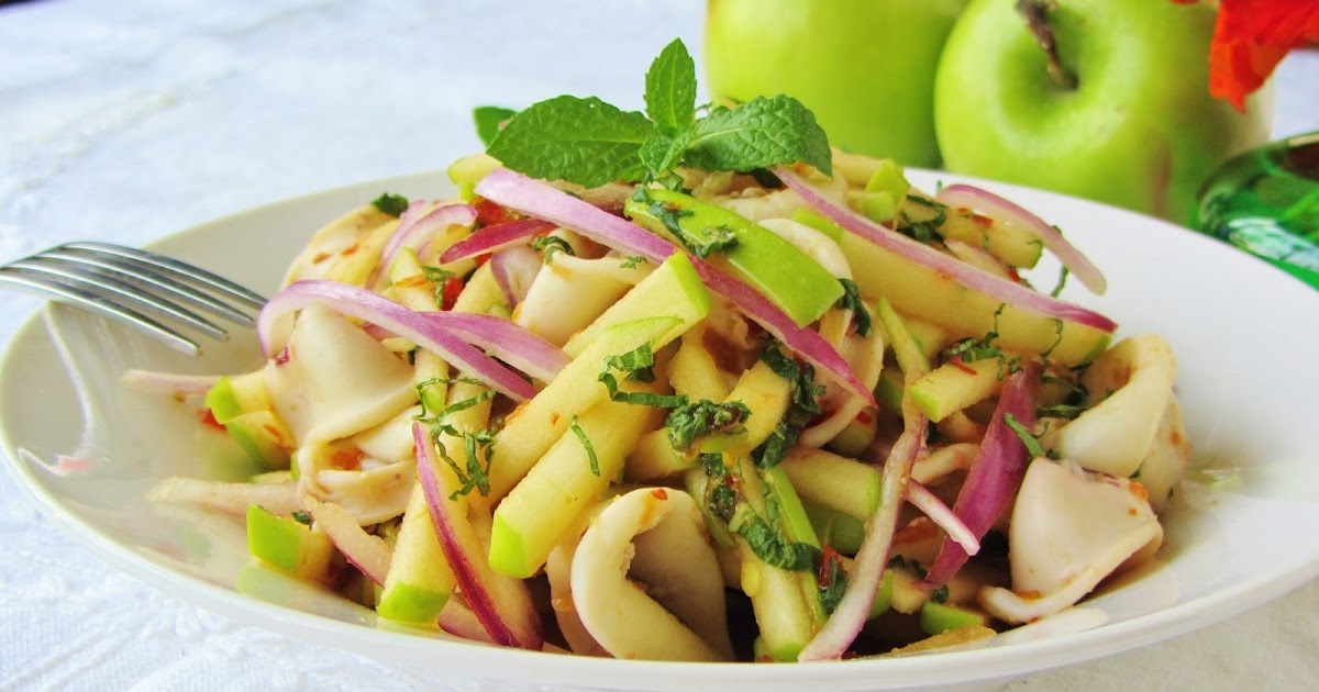 Let's eat.....simple!: Spicy Calamari and Green Apple Salad...