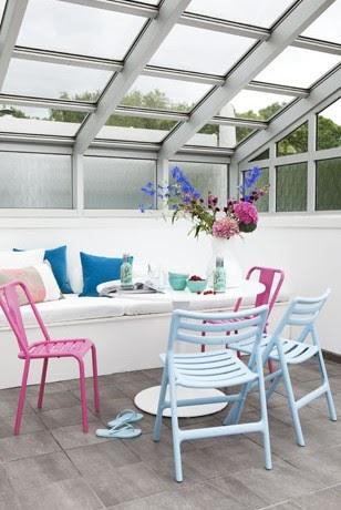 Elements styling stoelen binnen buiten hangen for Buiten stoelen