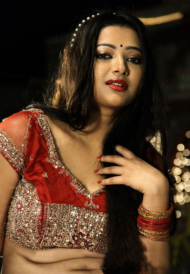 Swetha Basu Prasad beautiful pics, Swetha Basu Prasad spicy photos