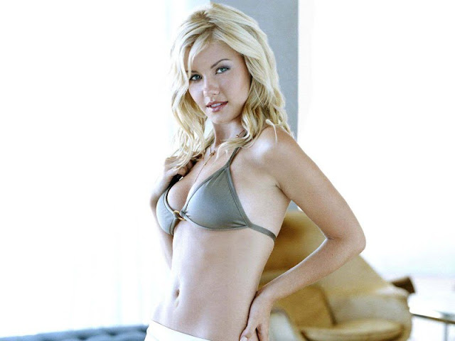 Elisha Cuthbert  sexy in lingerie fashion