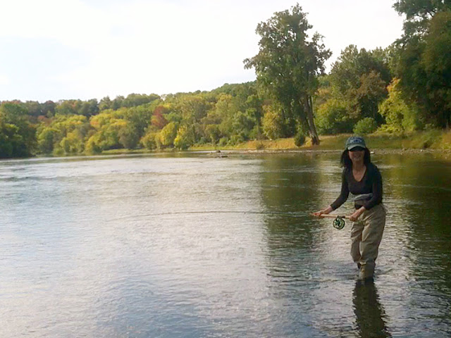 Flygirl Hyun Kounne spey casting at Grand River Spey clave, Paris Ontario