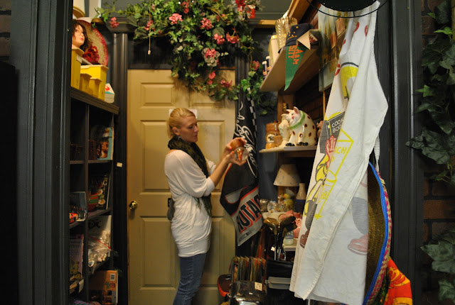 Flashback Summer:  The Biggest Part of Hospitality Is..., flea market shopping on Commercial Street, Springfield, Missouri