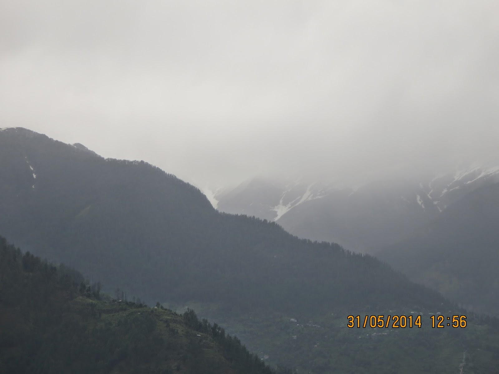 Manali - A lazy foggy day