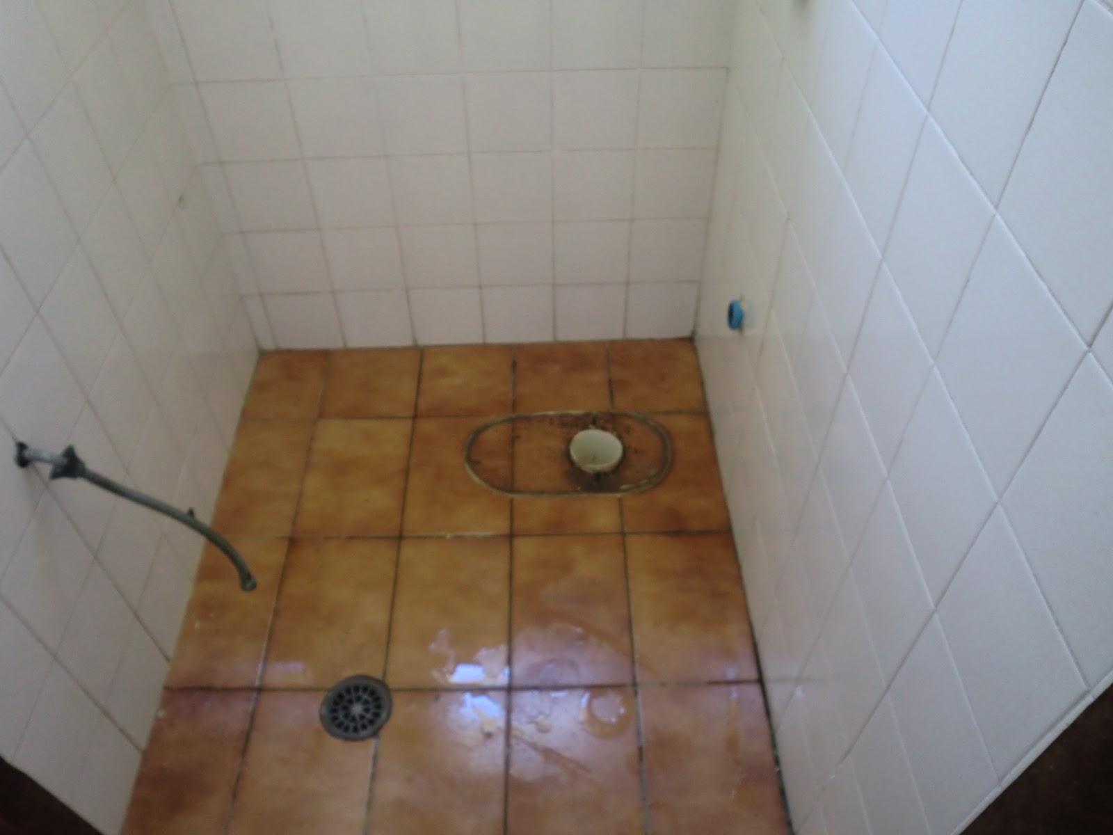 Aqui o lavabo ja desmontado e pronto para receber os novos acabamentos #6B482A 1600x1200 Banheiro Com Lavatorio Externo