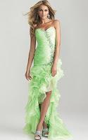 Дълга рокля без презрамки с волани в ябълково зелено, дизайн Allure