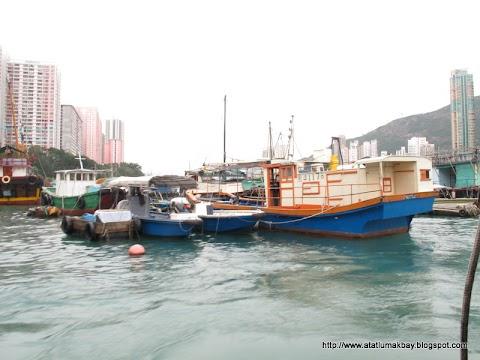Hongkong EP09 Boat Ride at Aberdeen Fishing Village
