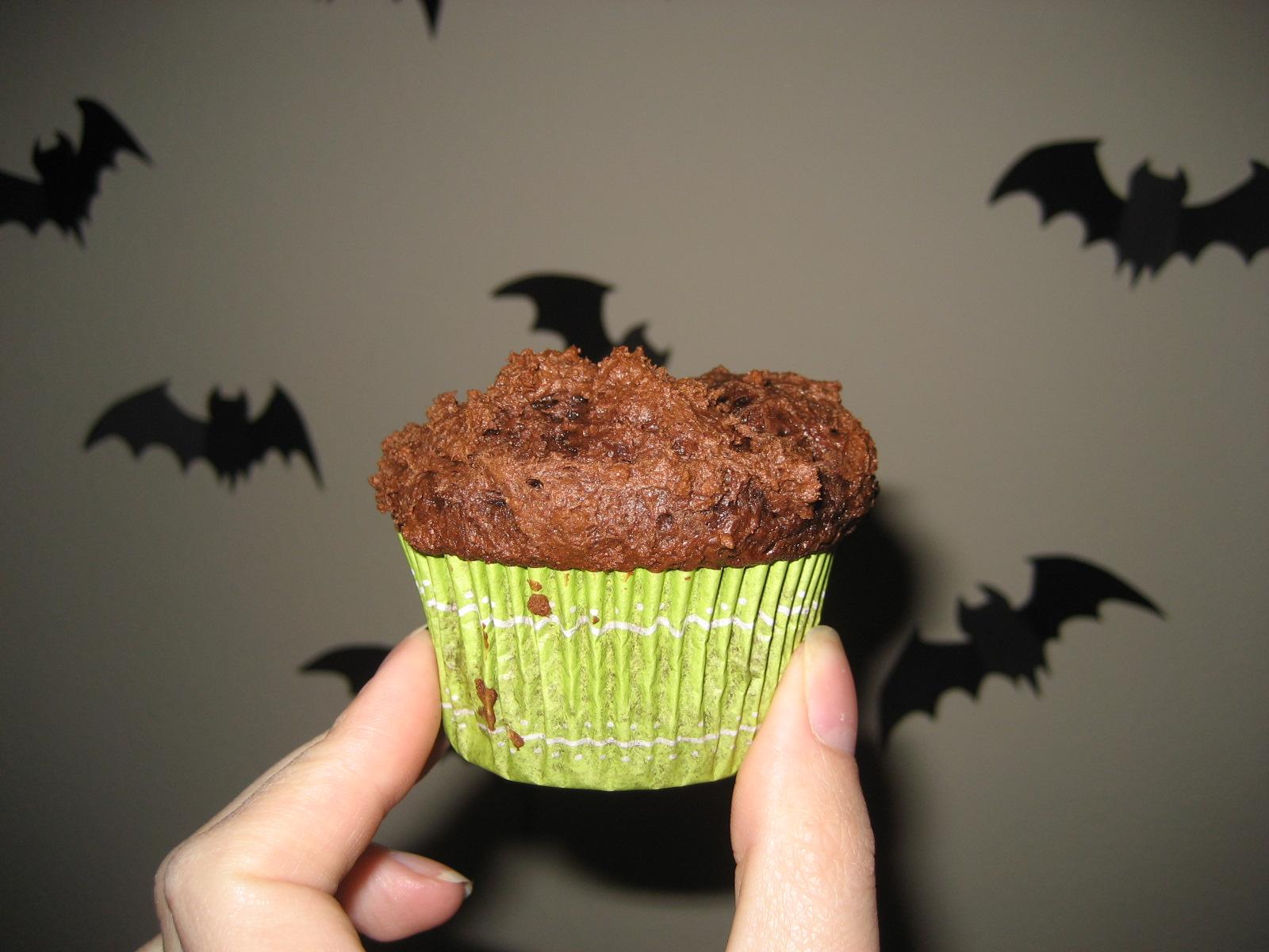 http://heckfridays.blogspot.com/2011/10/easy-healthy-chocolate-cupcakes.html