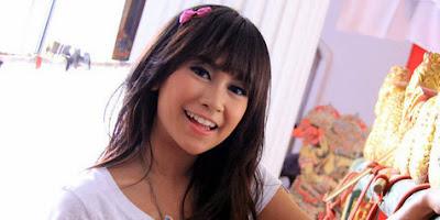 7 Gadis Cantik Indonesia Yang Memilih Keluar dari Girlband Mereka