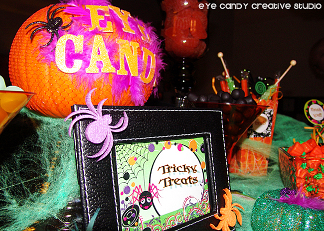 halloween party candy bar, tricky treats, pumpkins, candy, spiders