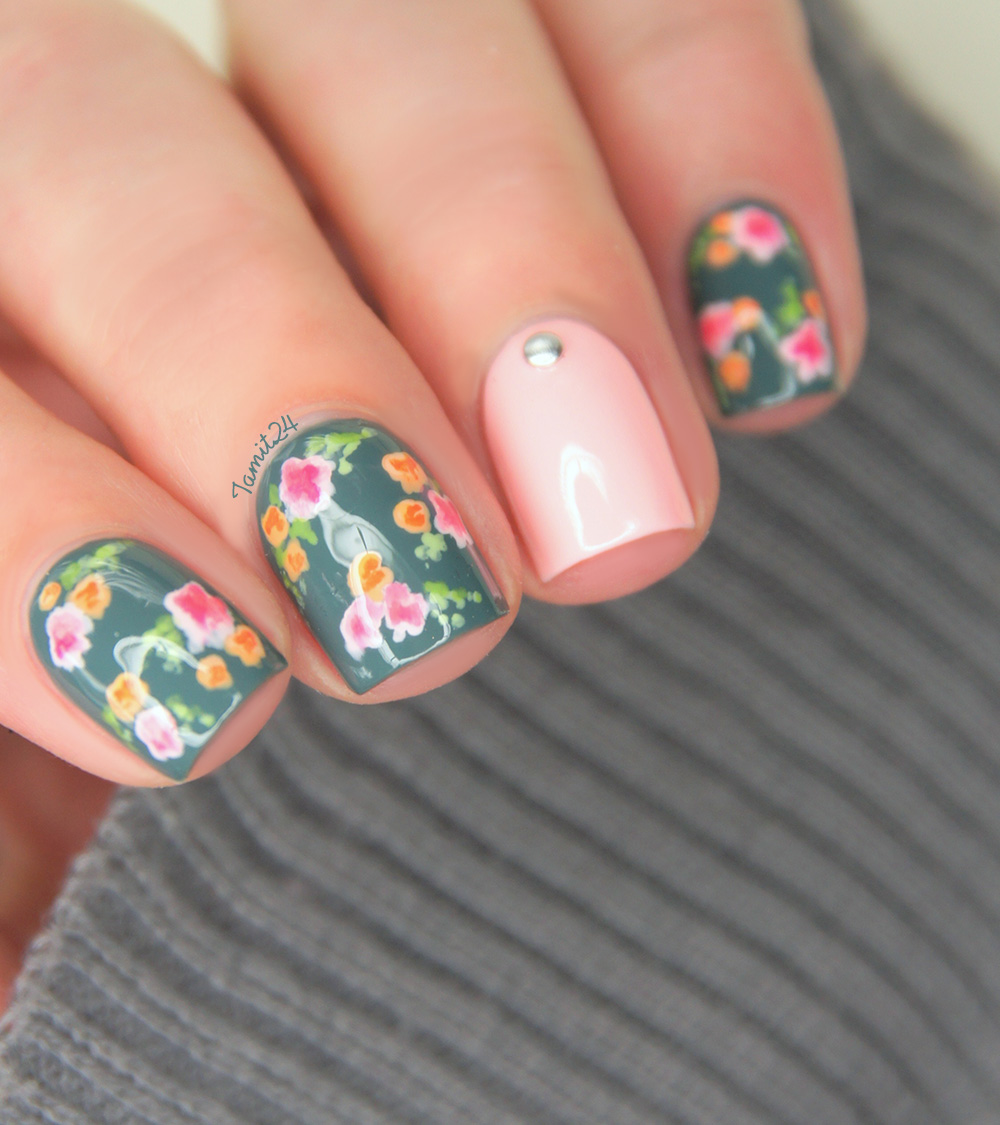 Fall In ...naiLove!: Vintage Flower Nails: Tutorial