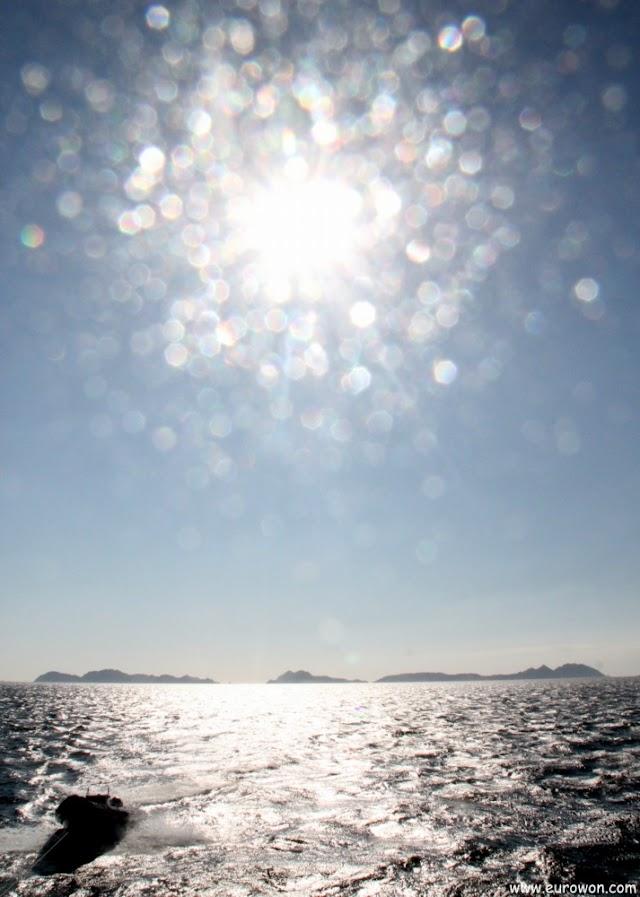 Sol sobre las Islas Cíes de Galicia