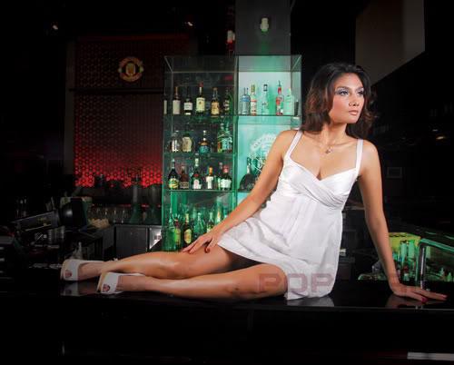 Foto Soraya Surya di Majalah Popular