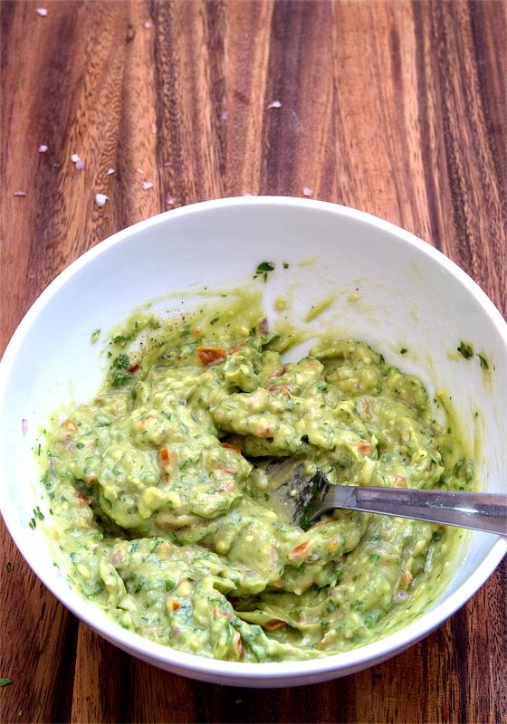 Guacamole homemade zmešan