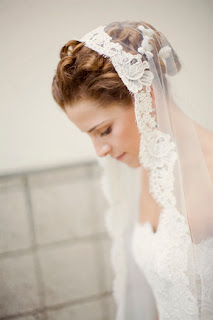 wedding hairstyles with mantilla veil