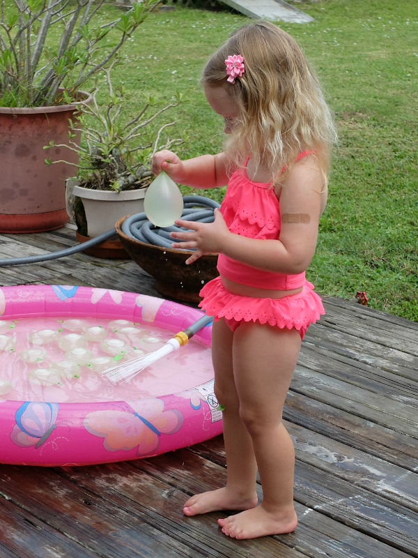 Sweet Turtle Soup - Summer Bucket List: Water Balloons