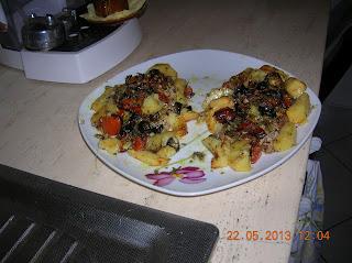 gnocchi di patate con  ricotta - pesce persico ripieno.. al forno   con patate