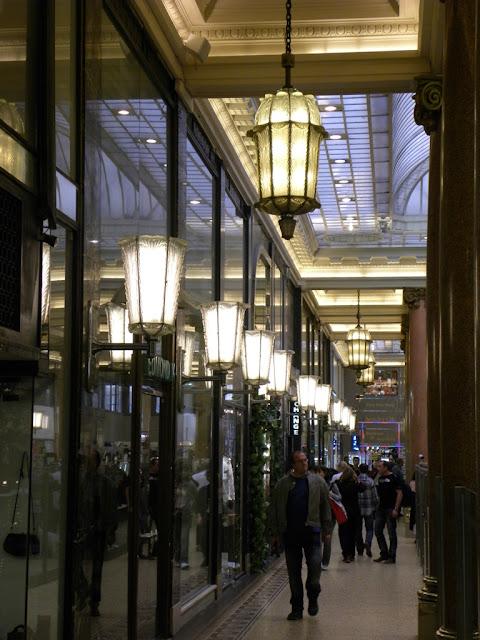 Arcades des Champs Elysées Paris