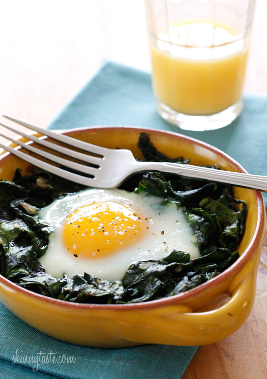 Baked Eggs with Wilted Baby Spinach | Skinnytaste