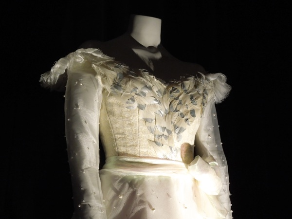 Glinda dress detail Oz Great and Powerful