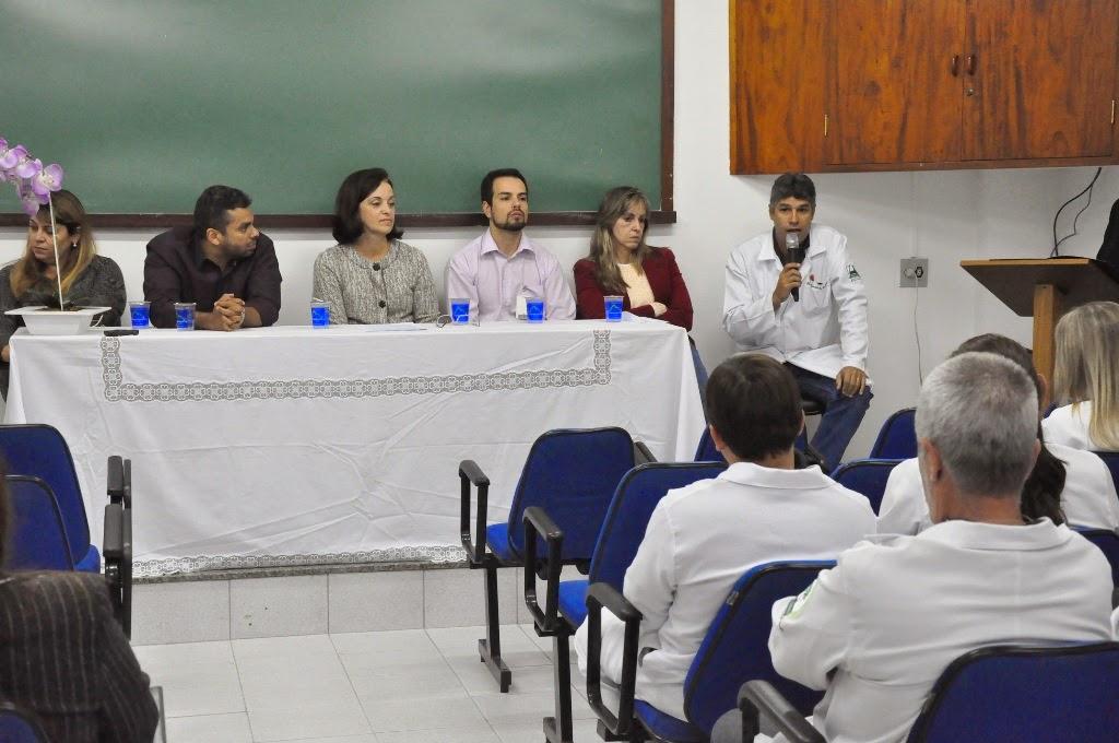 Professor Sandro Santos de Silos toma posse na gestão compartilhada do Serviço de Ortopedia do HCTCO