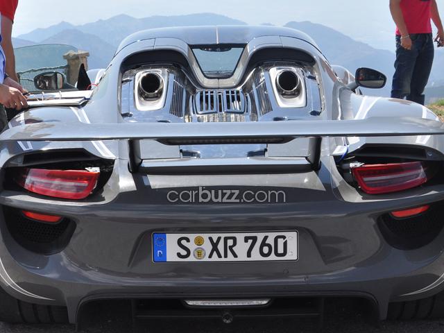 Psychedelic Porsche 918 Spyder Reveals Interior