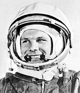 yuri gagarin picture without astronot helmet