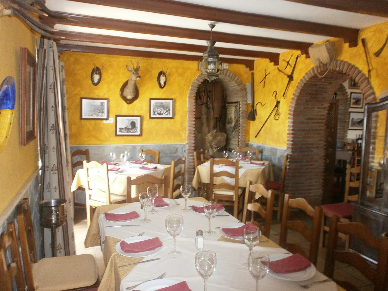 Venta Restaurante 4 Caminos: Comedores