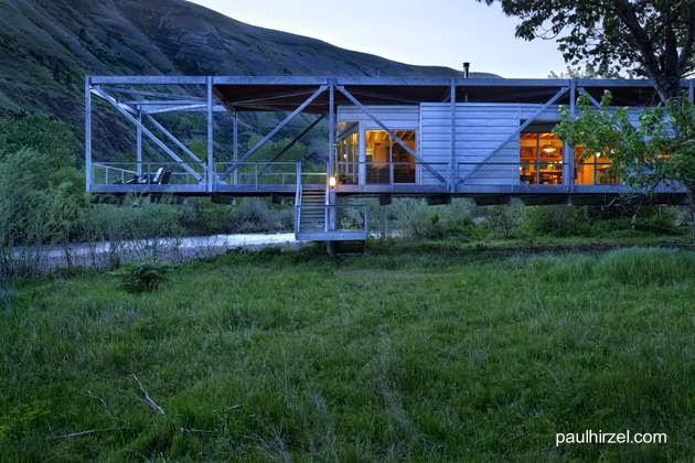 Casa con estructura de metal parcialmente volada en Idaho