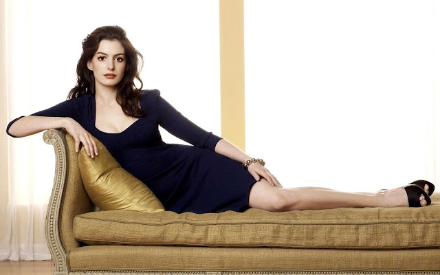 Anne Hathaway Wallpapers Free Download