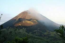 1200 people evacuated from the foot hills of Mount Egon Indonesia as the volcano status is raised to high alert!  Images